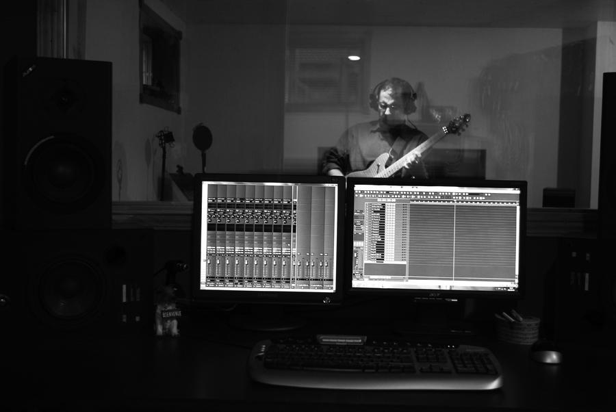 studio-soloing-2